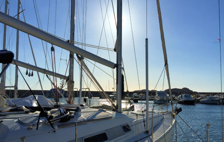 Segelausflüge auf dem Meer vor Sardinien