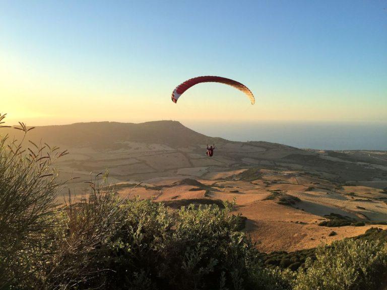 Gleitschirmfliegen bei Valledoria/Sedini